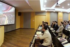 浙江育英职业技术学院师生观看热议十九大开幕会