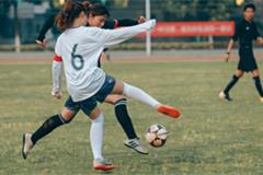 浙江省第十五届大学生运动会女子乙组足球比赛在育英学院举行